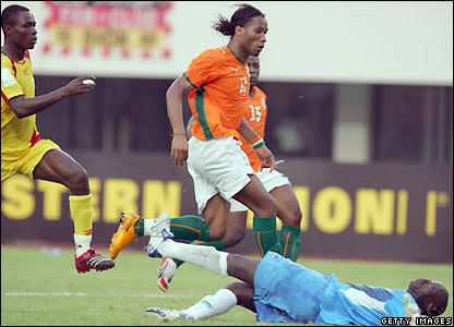 Drogba gives Ivory Coast the lead
