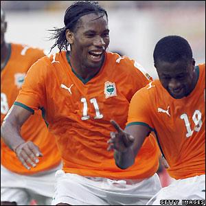 Drogba celebrates his goal
