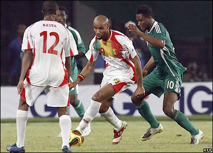 Frederic Kanoute looks for an early goal