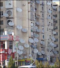 Cпутниковые тарелки на домах в Ашхабаде