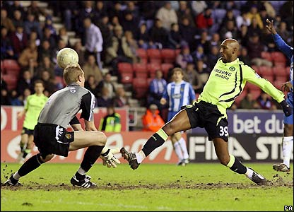 Anelka prods past Chris Kirkland