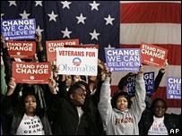 Simpatizantes de Barack Obama celebran el 26 de enero
