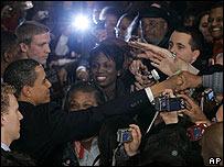 Simpatizantes buscan tocar a Obama en Carolina del Sur