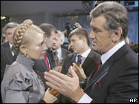Ukrainian PM Yulia Tymoshenko (left) and President Viktor Yushchenko (file photo)