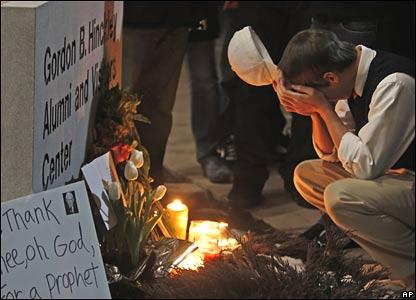 Student mourns Mormon Church leader in Utah