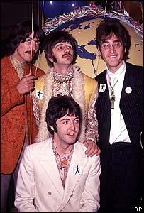 Los Beatles en la primera transmisión de un programa de TV satelital en vivo  (1965)
