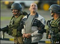 Simón Trinidad es extraditado de Colombia (Enero de 2004)
