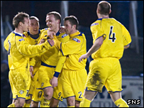 Peter Weatherson is mobbed by his Morton team-mates