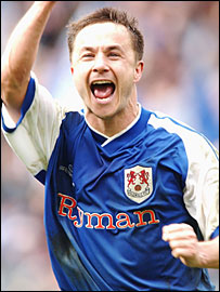 Dennis Wise celebrates Millwall's win over Sunderland in the FA Cup semi-finals