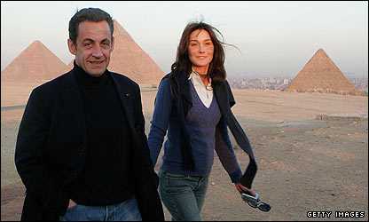French President Nicolas Sarkozy and girlfriend Carla Bruni