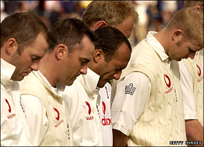 England players hold a minute's silence in honour of Ben Hollioake