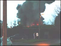 The fire at the Benzl Garage in Sutton Courtenay. Pic by Heather Woodward