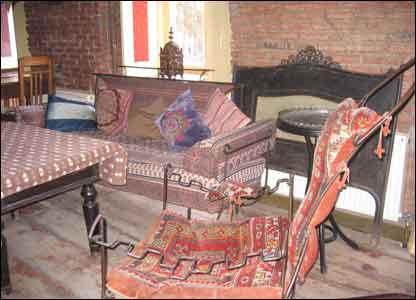''Гугина'' мебель