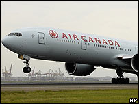 Air Canada flight arriving in Sydney December 2007