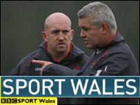 Shaun Edwards (left) and Wales coach Warren Gatland