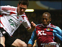 Steve Finnan and Luis Boa Morte