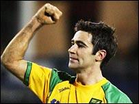 Norwich midfielder Simon Lappin