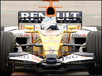 Fernando Alonso in the new Renault R28
