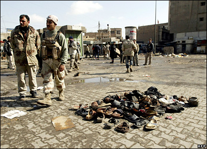 Iraqi soldiers at the Ghazil market after Friday's bombing