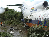 Lloyd Aereo Boliviano plane after crash landing near Trinidad, 1 February 2008