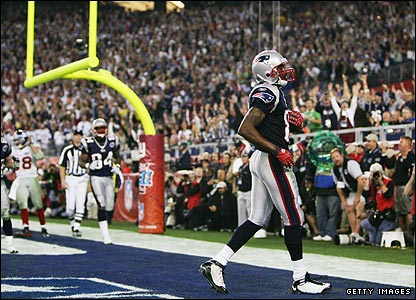 Brady connects with Randy Moss in the endzone and suddenly the perfect season is in sight again