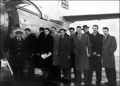 Manchester United board their plane to Yugoslavia