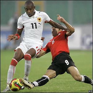 Abd Rabou tackles Gilberto