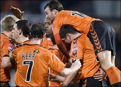 Noel Hunt (right) leads the celebrations after Darren Dods (hidden) levelled for Dundee United