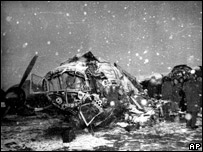 Wreckage of the plane that crashed killing the Manchester United football team