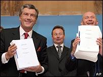 Ukraine's President Viktor Yushchenko, left, and Director-General of the World Trade Organization Pascal Lamy