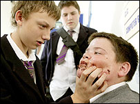 A scene from a 2004 episode of Grange Hill