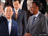 UN Secretary General Ban Ki-moon (L) with Rwandan President Paul Kagame in Kigali