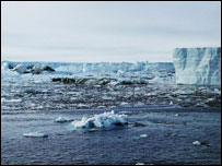 Iceberg debris after the collapse of Larsen B in 2002 (picture: British Antarctic Survey)