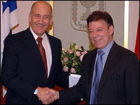 Juan Manuel Santos con Ehuid Olmert, primer ministro de Israel.