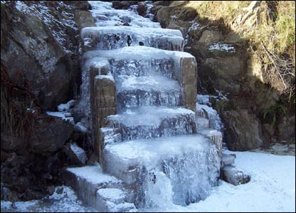 Iced-over steps