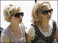 Michelle Williams (left) and Heath's sister Kate Ledger 