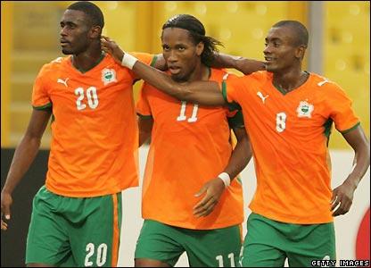 Sanogo, Drogba and Kalou celebrate