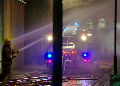 Firemen battle blaze at Camden market (Dorota Myszko)