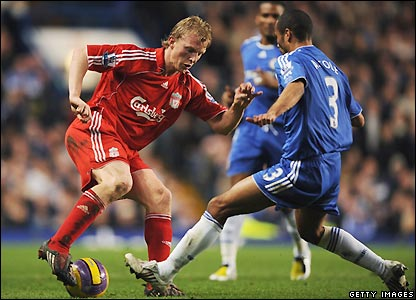 Kuyt looks for a way through