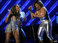 Beyonce (left) and Tina Turner at the Grammys