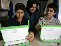 Children using the XO laptop