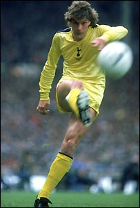 Glenn Hoddle in the 1982 FA Cup final