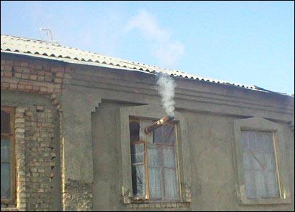 фото дымоход в окне