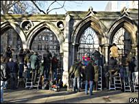 Fotógrafos en las afueras del Tribunal Superior de Justicia de Londres