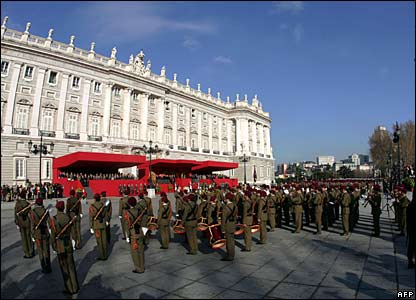 Ceremony outside royal palace in Madrid marking start of Peninsular War