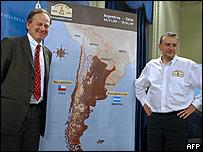 El director de la organización, Patrice Clerc (izq.) y el director del rally Etienne Lavigne