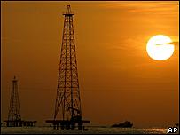 Torre de petróleo, Lago de Maracibo, Venezuela, AP