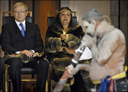 Australian Prime Minister Kevin Rudd, tribal elder Matilda House-Williams, and an Aboriginal performer in Australia's parliament
