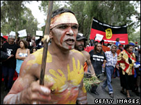 Aborigine protester outside parliament in Canberra (12 February 2008)