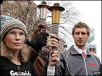 Mia Farrow and Joey Cheek on Team Darfur protest